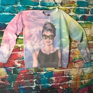 Sweaters - A colorful sweater (Audrey Hepburn)